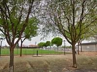 Àngel Ros remarca que els nous camps de futbol de Ciutat Jardí beneficien tot el barri