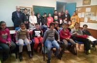 La tinent d'alcalde i regidora d'Esports visita el Club Escacs Lleida