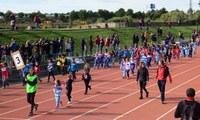 La trobada de Miniatletisme inaugura les Escoles Esportives Municipals