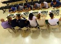 Els escacs tornen a viure una experiència pionera al Centre Penitenciari Ponent amb el Torneig Internacional on juguen interns i escaquistes de diferents clubs de la província de la mà del Gran Mestre Josep Oms