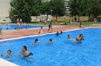 Gairebé 5.000 persones es remullen aquest cap de setmana a les piscines municipals