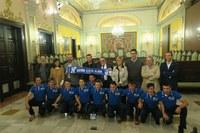 L'alcalde de Lleida rep l'equip infantil de l'ICG Software Lleida, campió d'Europa sub-17