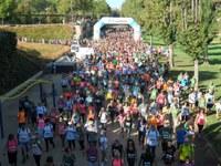 Lleida es mobilitza contra el càncer amb la caminada 'AECC en marxa'